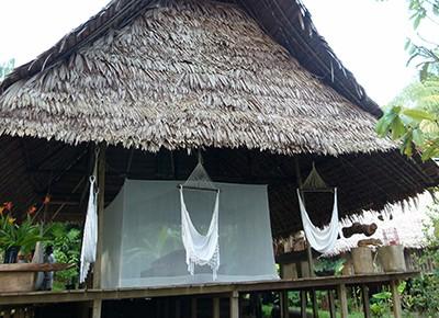 Sicher schlafen unter dem Moskitonetz - wie hier im Amazonasgebiet.