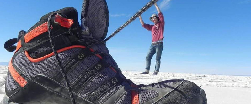 Perspektivenfoto in der Uyuni-Wüste