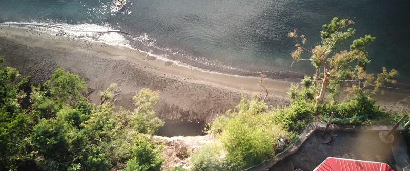 Der neue Strand unterhalb des Cliffs am Tamaraind Tree
