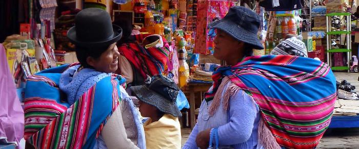 Cholita - die häufig verwendete Bezeichnung für indigene Frauen in ihrer typischen Kleidung